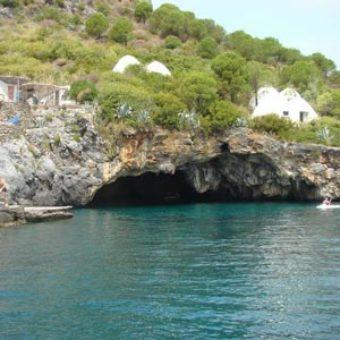 Gita_in_barca_isola_di_dino_praia_a_mare
