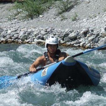 hotdog_rafting__explorer_lao